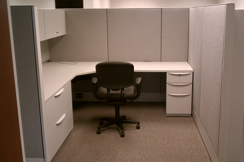 Used office furniture - office furniture and workspaces