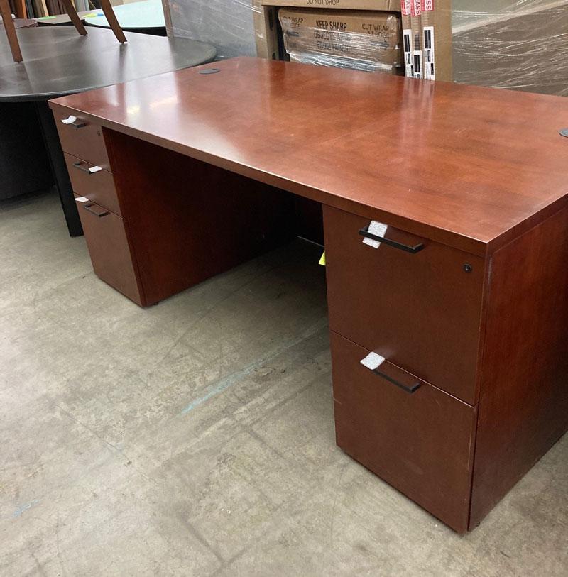 "Paoli ""Kindle One"" Executive Desk Cherry Veneer"